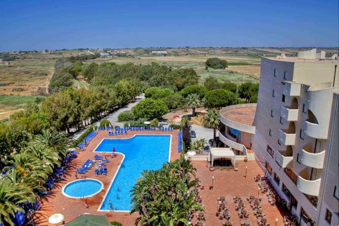 hotel paradise beach resort: