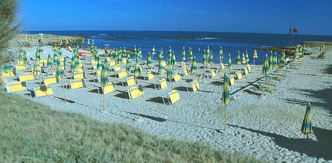 Plaia villaggio hotel puglia ostuni yalla yalla for Villaggio ostuni